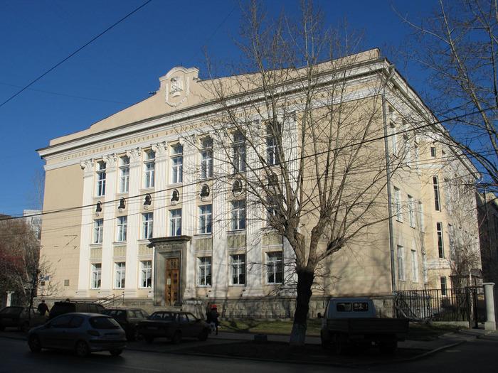 59523640_Sverdlovskaya_biblioteka_Belinskogo3.jpg